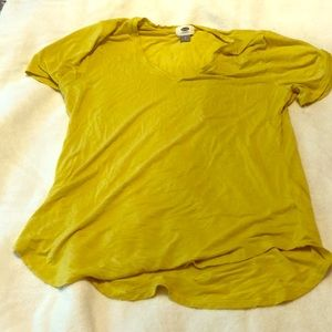 Old navy mustard yellow vneck striped tshirt